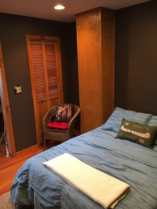 Second bedroom/TV room