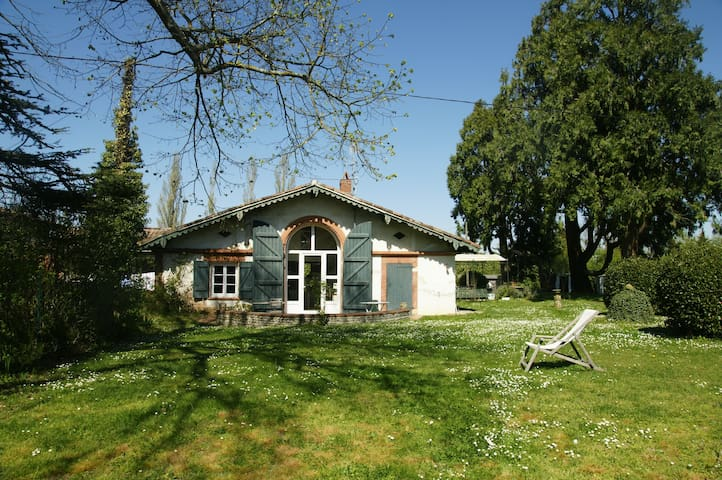 Maison de charme, au milieu du golf - Vieille-Toulouse - House