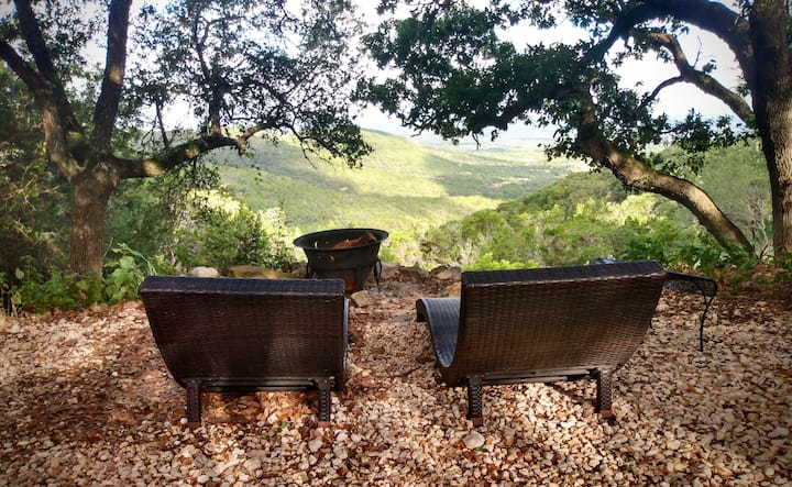 Glamping w/Hilltop views, hot tub, outdoor shower!