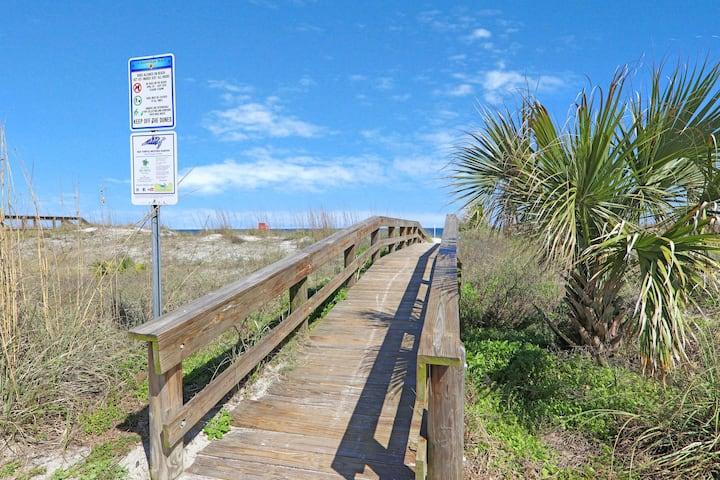 Work from Home   Steps to ocean   Beach Hideaway!