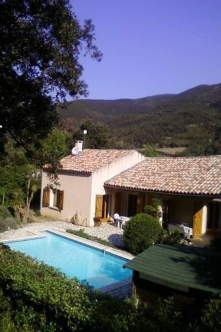 Romantic Villa Amongst Vineyards