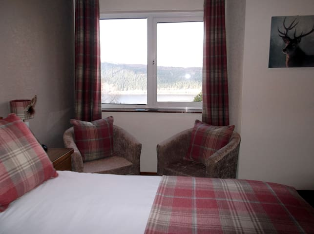 Loch Ness Foyers House - Foyers - Bed & Breakfast