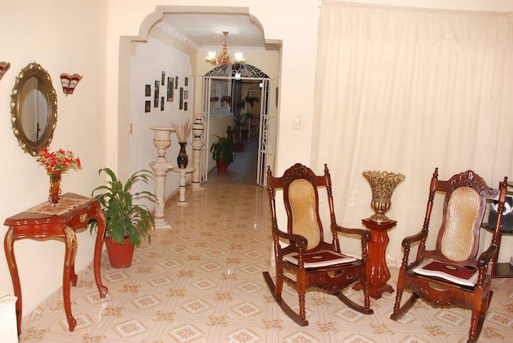 Casa Miriam y Fidel(1 hab.) WIFI