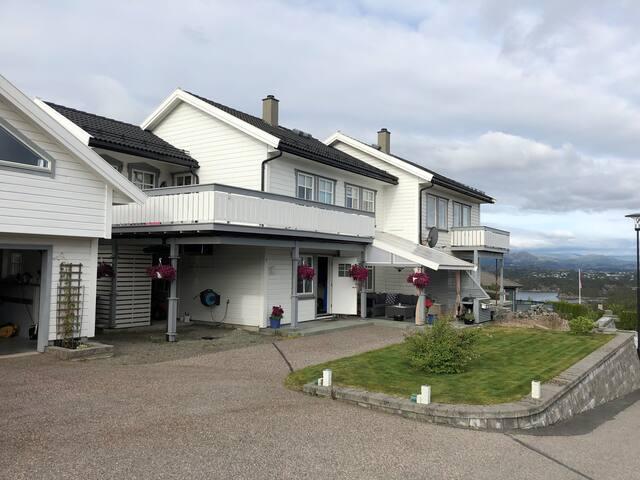Lys og trivelig bolig  20min fra Bergen sentrum