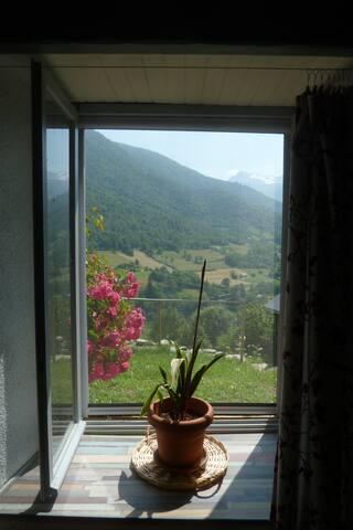 gîte en vallée d'Ossau sur la montagne verte