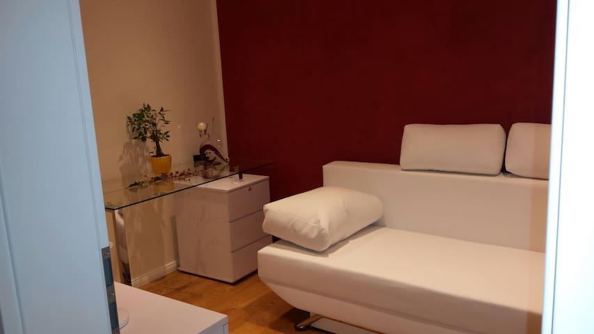 Komfortables gemütliches  Zimmer - Nußloch - Talo