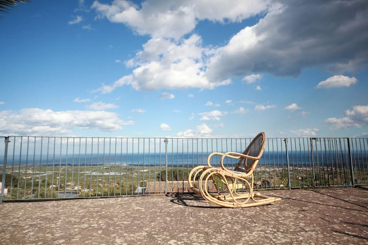 """Minicucchi & Lumìe"" - Panoramic House Sea&Etna - มาสกาลิ - บ้าน"
