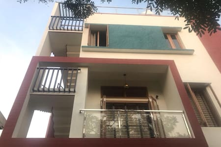 Studio near ManyataTech and Airport with Kitchen
