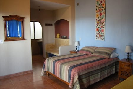 Lovely Lrg Suite w/own bath, balcony & bay views! - Chacala - Huvila