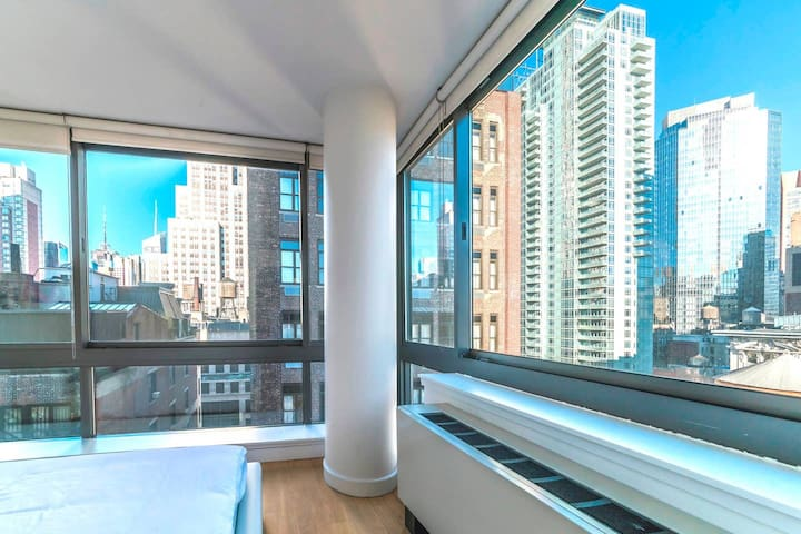 Luxury 5th Ave**Rooftop**3 BEDS + LAUNDRY/DOORMAN