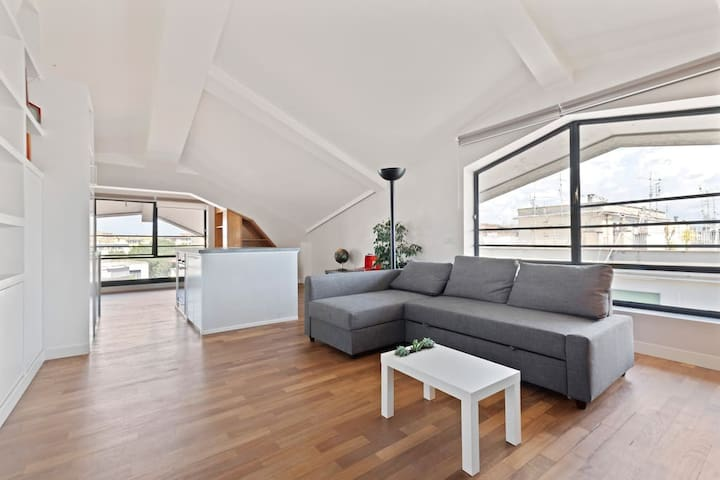✦Industrial Penthouse in Caracalla✦