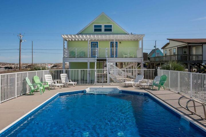 AVAILABLE AUG 15-20 ! Enjoy peace of mind-private home with private pool and views of the beach!