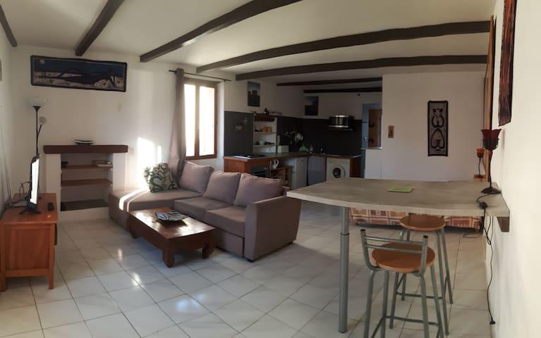 loft en plein coeur du village - Saint-Florent - Квартира