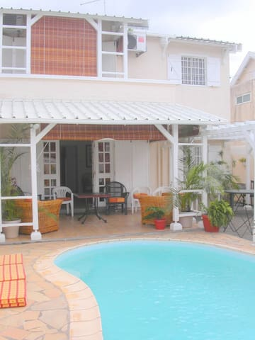 Bungalow Forgetti Trou aux Biches - Port Louis - Huis