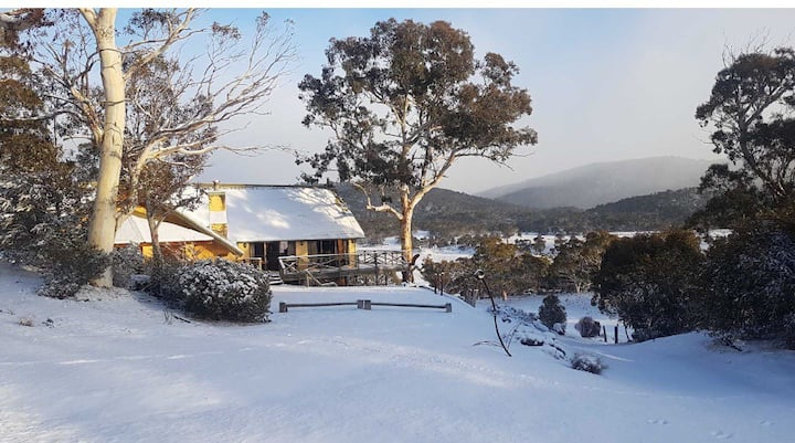 Boutique Ski Chalet in Secluded Setting  Set on 100 acres in the Thredbo Valley. Close to all ski resorts, the Jindabyne township & award winning restaurants & attractions. The chalet is spacious with cosy furnishings, wood fireplaces  & works by local ar