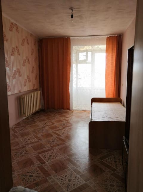 Отдельная комната в квартире.Рядом магазин,автобус