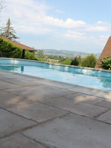 Bed and Breakfast - St Didier de Formans - Saint-Didier-de-Formans