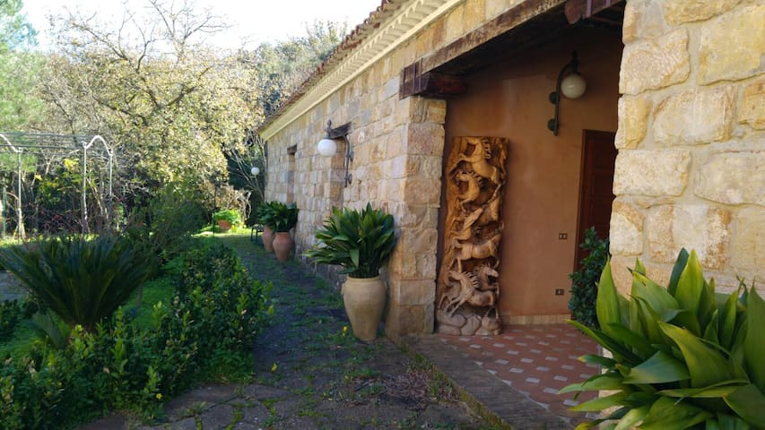 (B) Countryhouse in Madonie Park - Castelbuono - Bed & Breakfast