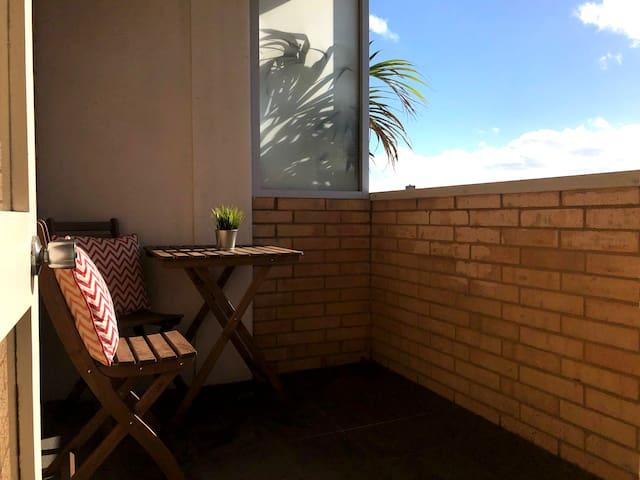 Sun-Drenched Bondi Studio with Balcony