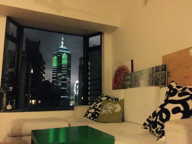 cozy master room in midlevel, girl only - Hongkong - Wohnung