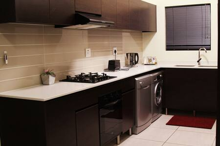 Safe, fully equipped with Wifi in Greenstone Hill