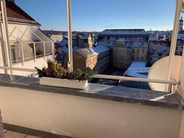 Eingang/ Laubengang/ Balkon