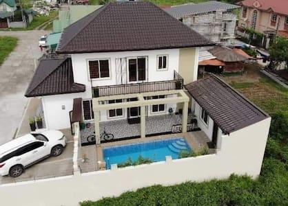 Maison de l'amour-new built 2 storey house w/ pool