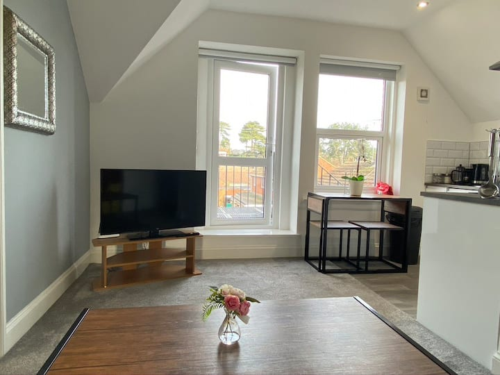 Morden Flat in the Heart of Maidstone