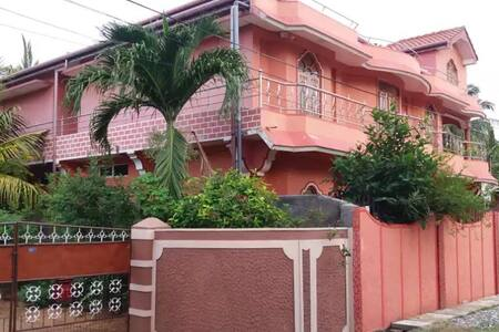 Trinco Modern Holidays House A