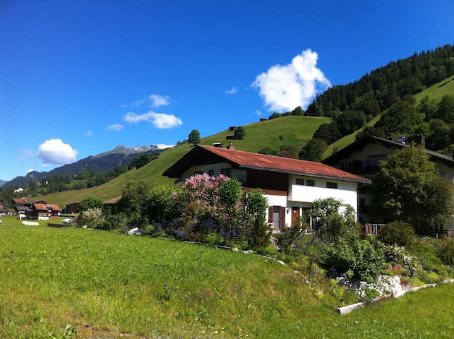Cozy chalet in a fantastic location - Klosters-Serneus - Apartment
