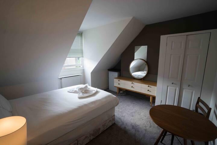17 Grosvenor Room