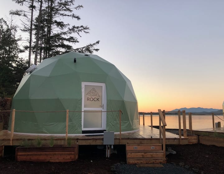WILDPOD Luxury Glamping: ROCK Dome