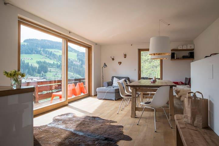 Berghaus mit Traumblick in Kitzbühler Bergen - Oberau - House