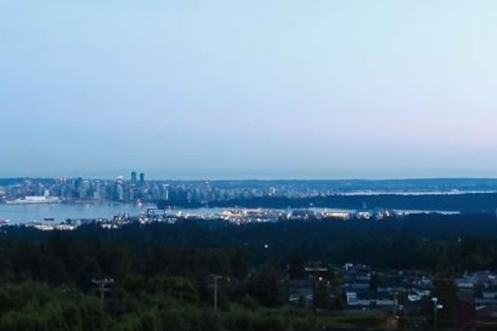 Amazing View of Vancouver & Ocean WOW!