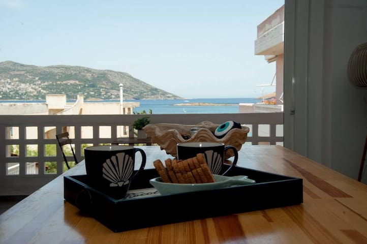 Apartment by the sea ,fully renovated !!