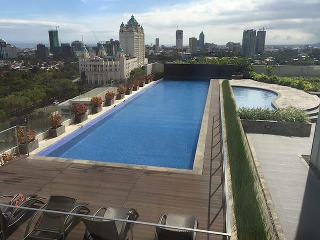 Cebu IT Park Condo   FREE Parking, WIFI, Pool, Gym