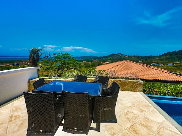 Stunning Luxury Villa At Pristine Bay