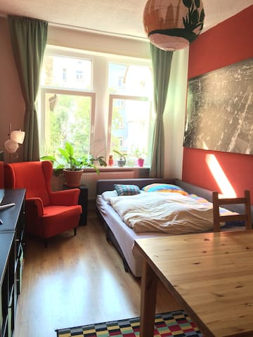 Cozy room in the heart of Sachsenhausen - Frankfurt am Main - Apartment