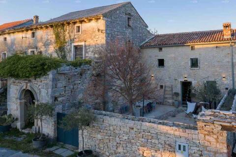 19th century Petit Expérience in Istria