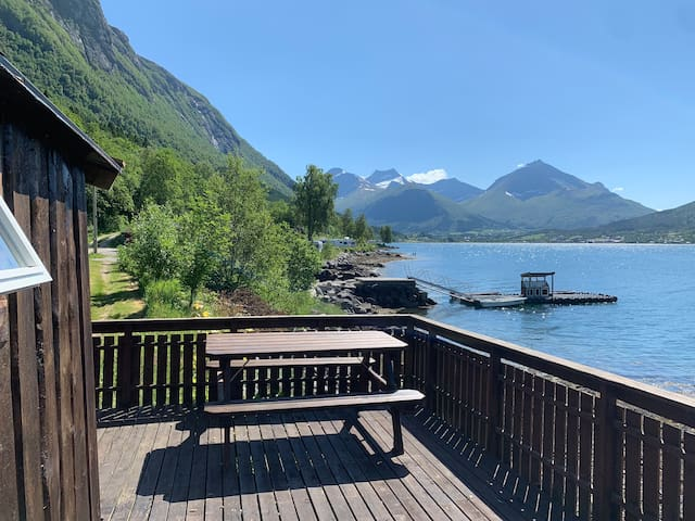 Cabin 1 - with wonderful view Tresfjord Vestnes