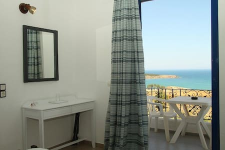 Alexis Hotel Rooms in Chania Town - Chania - Boutique-hotelli