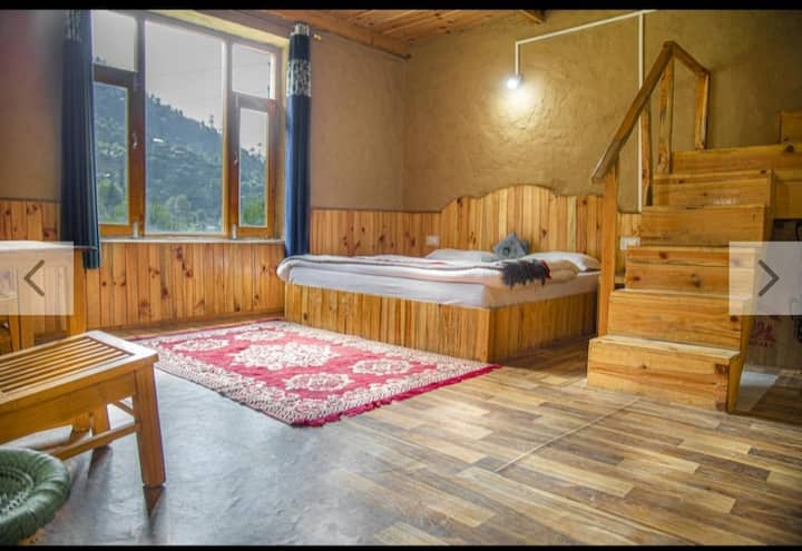 2 Cozy Hut | Lawn | Peaceful