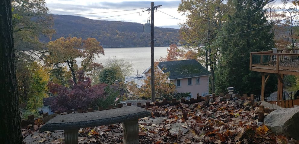 Lakeview Suite on Greenwood Lake