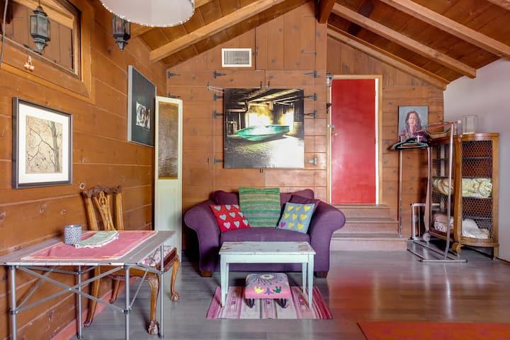 Cozy Country Studio