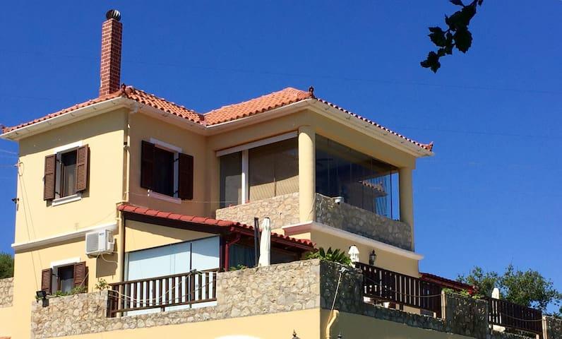 VILLA VERVEKIS - Μεσοβούνια - Appartement