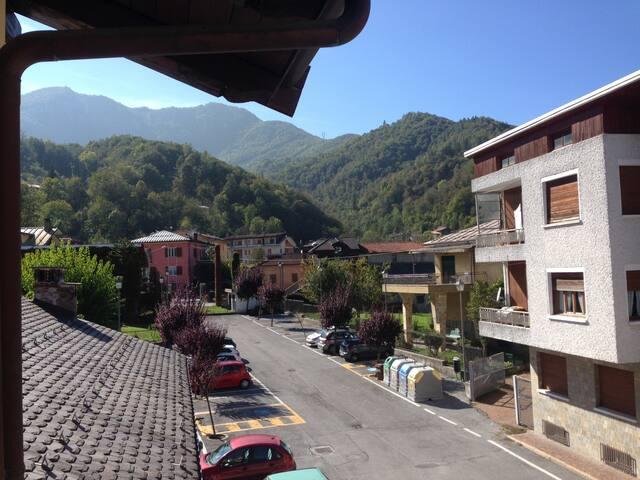 Monolocale in centro paese con vista montagne