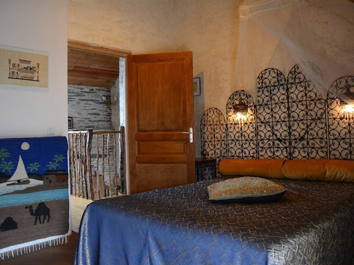 Queen-Comfort-Private Bathroom-City View-eco-label européen