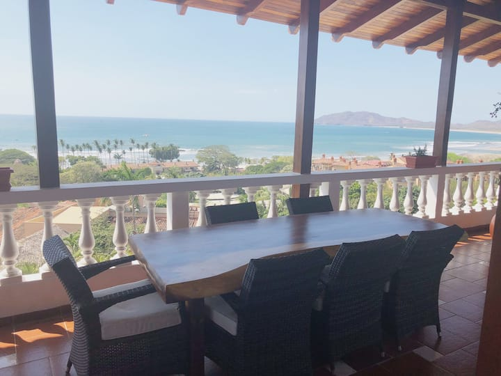 amazing ocean views, and sunsets ( Penthouse #2)