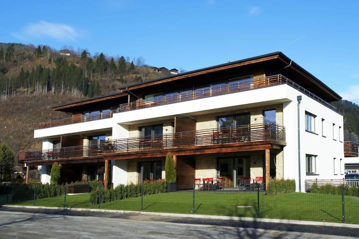 Modern Apartment near Lake in Zell em See