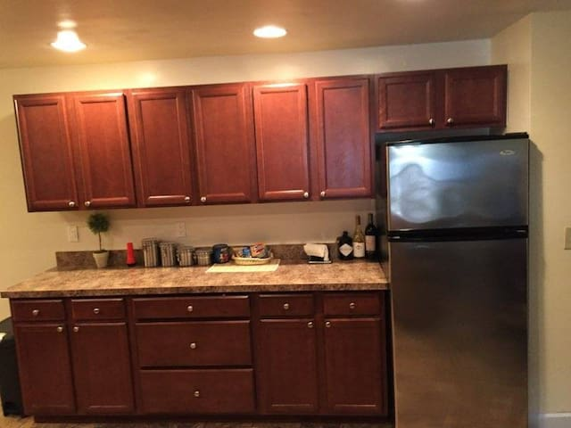 2 bed/2 bath in heart of Clifton Park!